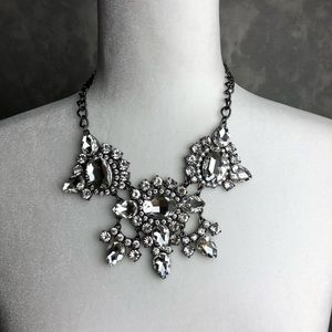 Jewelry - Chunky bling statement necklace